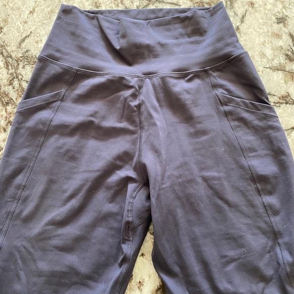 Alphalete pocket legging